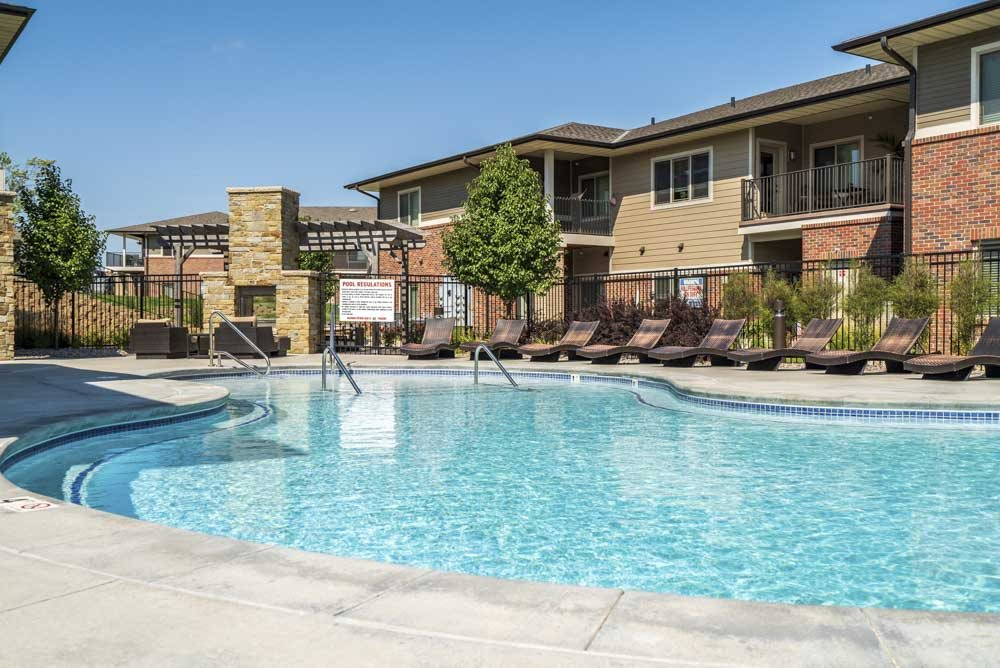 Resort-style pool with shallow entry at Villas of Omaha in northwest Omaha NE 68116