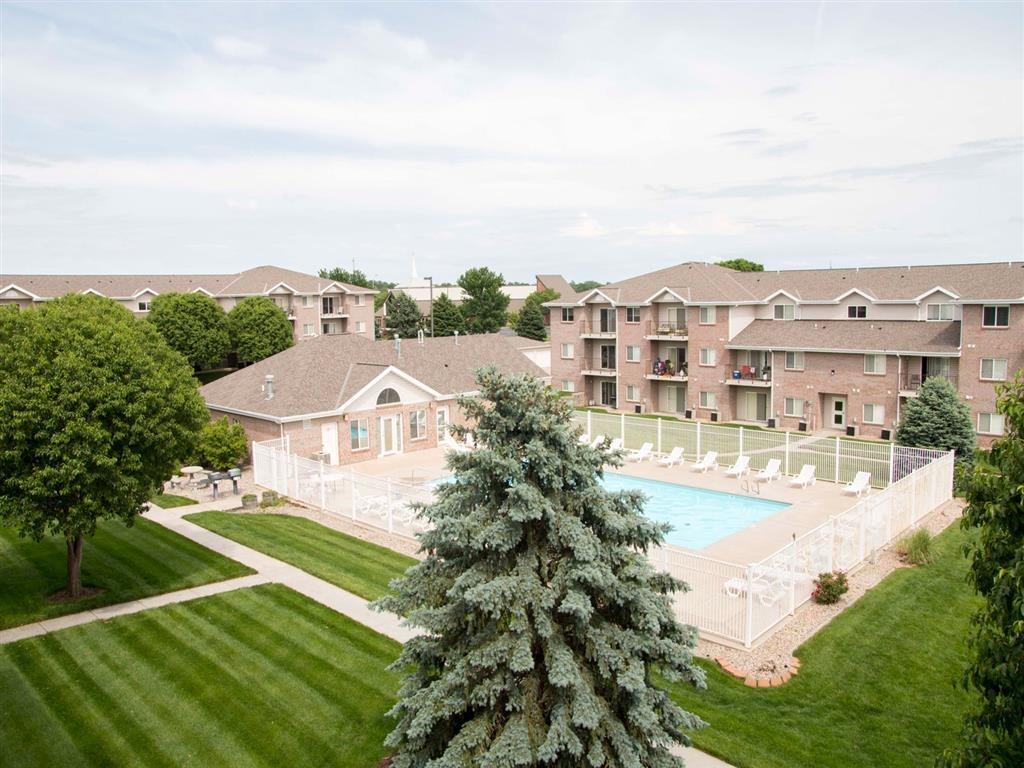Exterior aerial of pool at Highland View Apartments in Lincoln NE