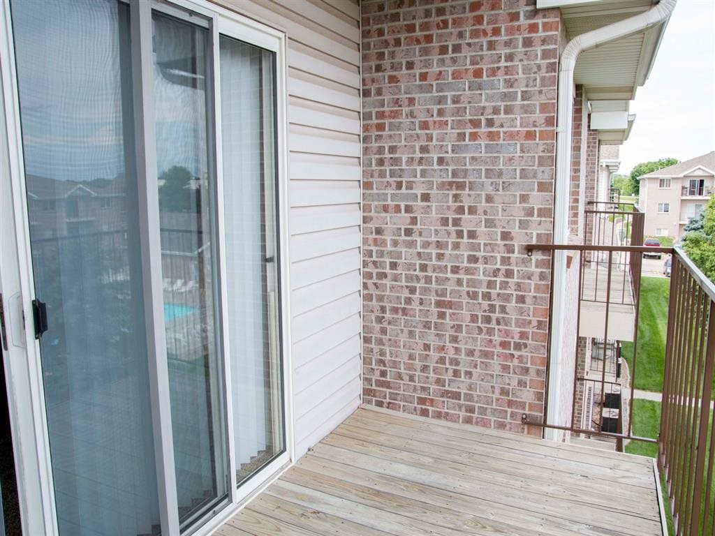 Exterior balcony at Highland View Apartments in Lincoln NE