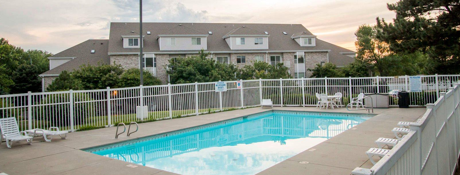 Outdoor Pool at Skyline View Apartments in Lincoln NE