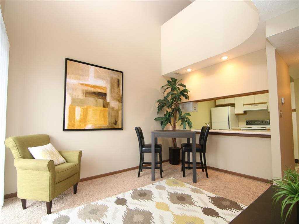 dining space at Pine Lake Heights Apartments in Lincoln Nebraska