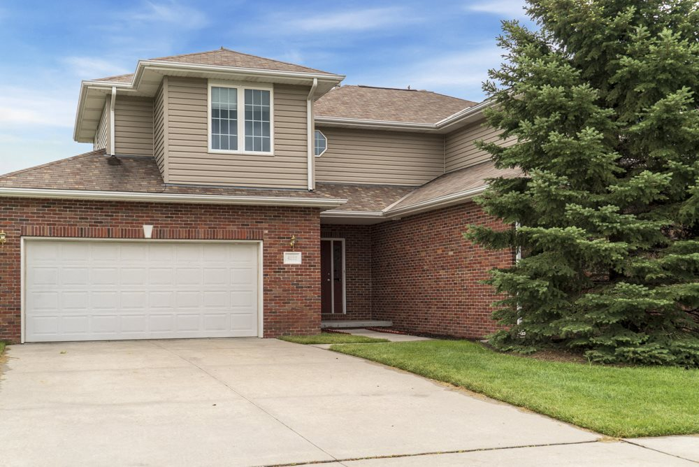 Street view of Cascade Pines duplex homes in Lincoln NE