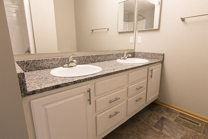 Jack and Jill sinks in the master bathroom at Cascade Pines Town-homes Lincoln Nebraska
