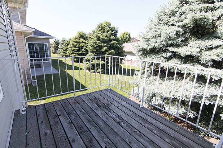 Wonderful outdoor space at Cascade Pines Town-homes Lincoln Nebraska