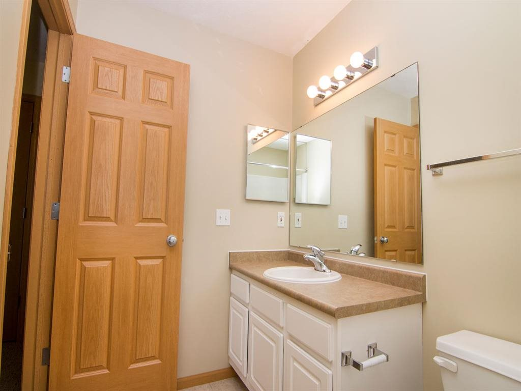 Full Size Bathroom at Cascade Pines Duplex Homes in Lincoln NE