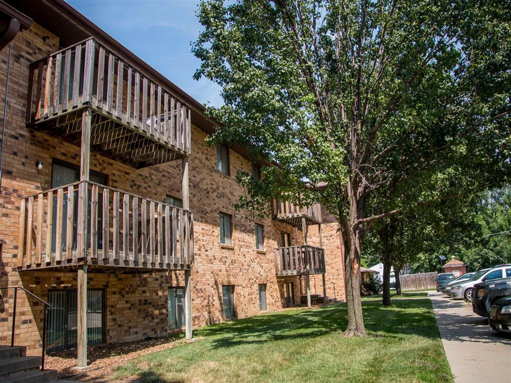exterior side with balcony at Moore Place Apartments in Lincoln Nebraska