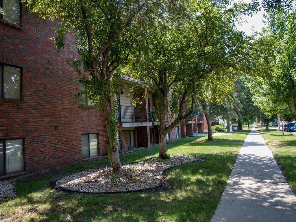 green space and walking path at Packard House Apartments in Lincoln Nebraska