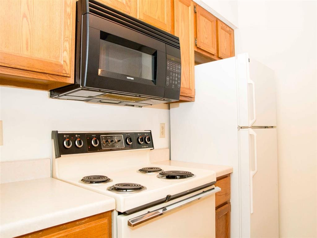 oven and microwave at Capitol View Apartments in Lincoln Nebraska