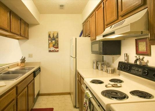 full kitchen angle at Capitol View Apartments in Lincoln Nebraska