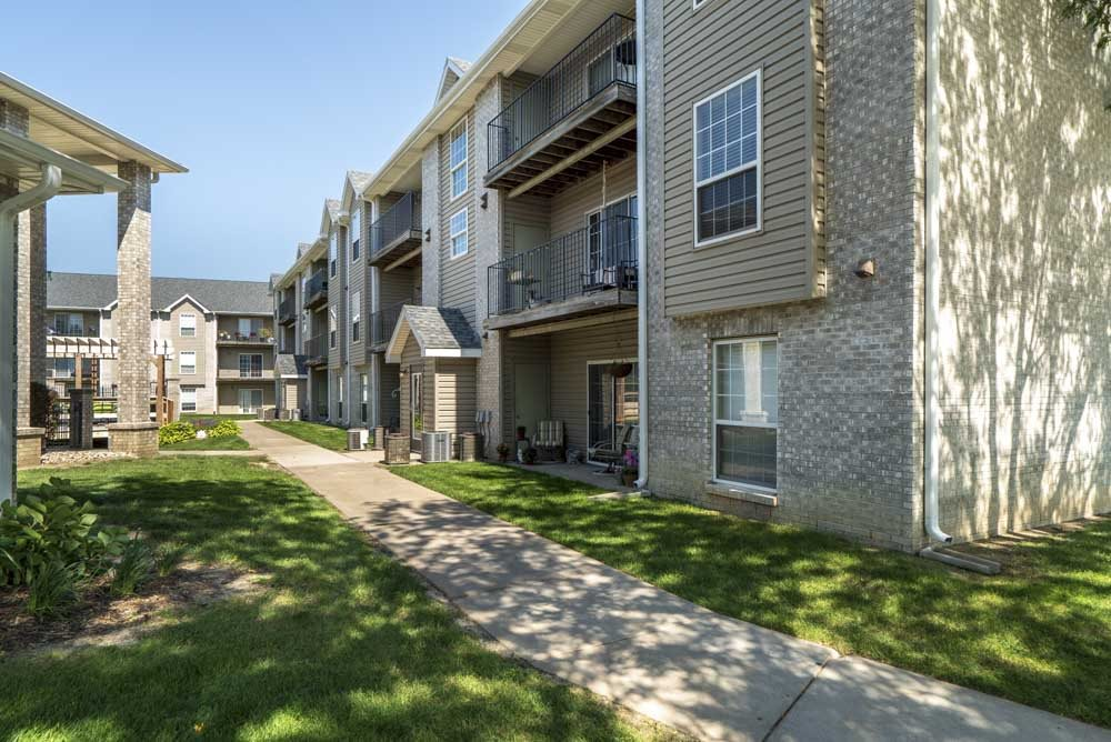 Pathway around community at Eagle Run Apartments in northwest Omaha 68164