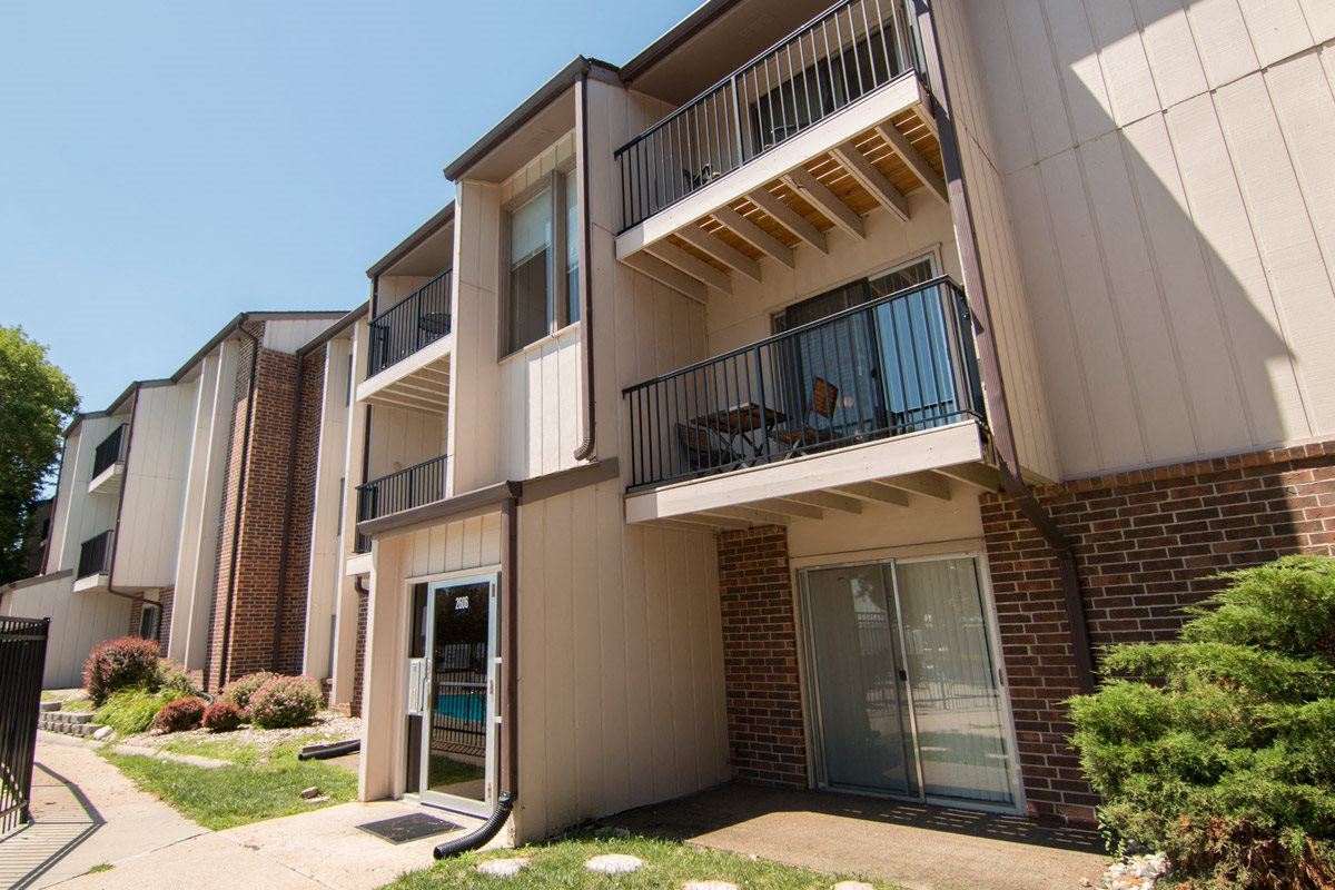 Exteriors view of balconies at Place 72 Apartments in Omaha NE