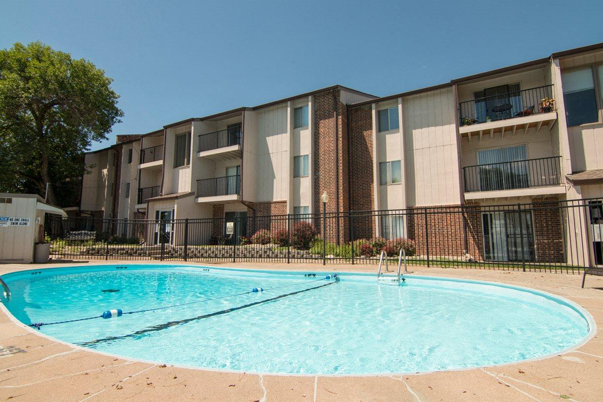 Place 72 Swimming Pool in Omaha NE