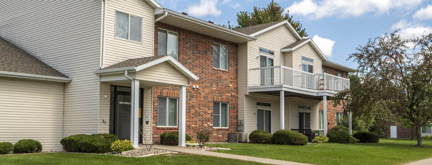Wyndham Heights Apartments near Iowa State in Ames IA