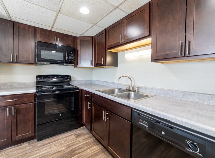 Fully Equipped Kitchen at Barrington Estates, IN, 46260