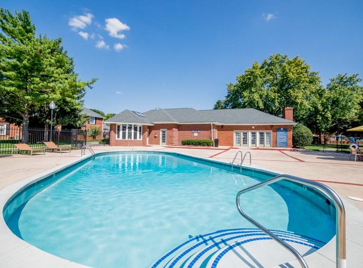 Barrington Estates Apartments in Indianapolis
