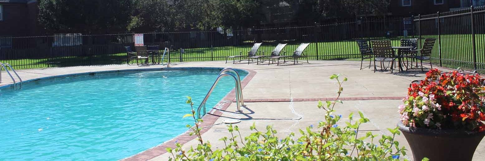 Pool and Sundeck at Barrington Estates Apartments in Indianapolis