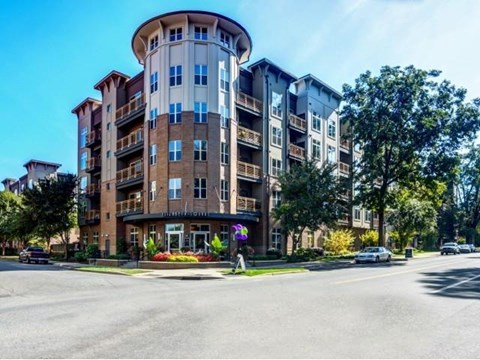 Property Exterior at Elizabeth Square Apartments in Charlotte, NC