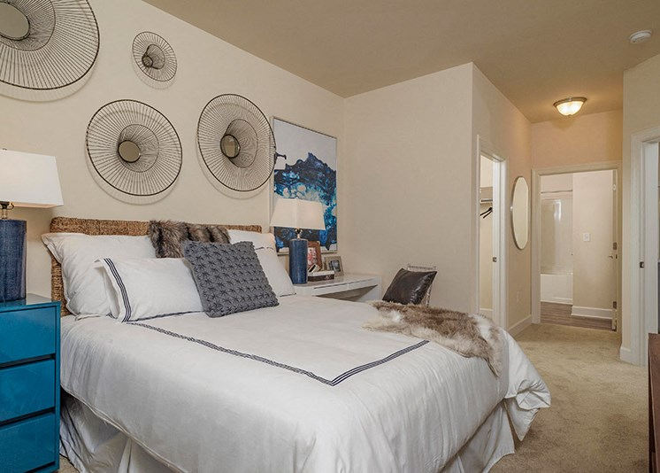 Spacious Bedroom With Closet at Abberly at Southpoint Apartment Homes by HHHunt, Fredericksburg, VA