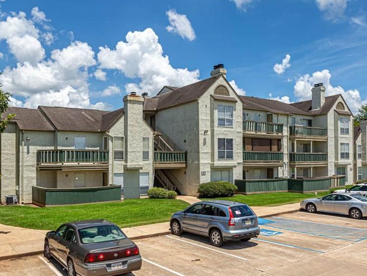 Pecan Grove Apartments in Alexandria, Louisiana