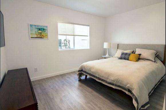 Santa-Monica-Luxury-Apartment-Pacifico-Interior-Bedroom