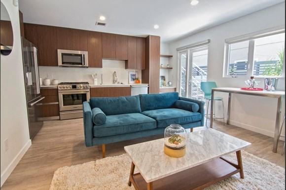 Santa-Monica-Luxury-Apartment-Pacifico-Interior-Living-Room