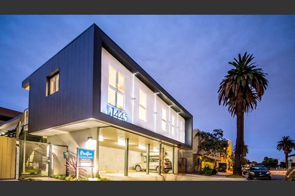 Santa-Monica-Luxury-Apartments-Pacifico-Exterior-Evening