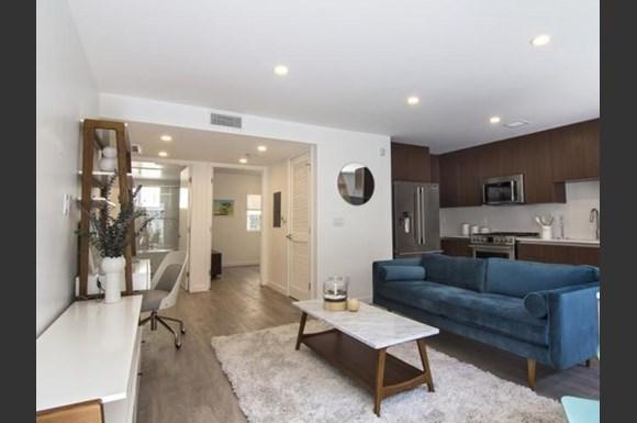 Santa-Monica-Luxury-Apartments-Pacifico-Interior-Living-Room-2