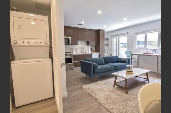 Santa-Monica-Luxury-Apartments-Pacifico-Interior-Living-Room