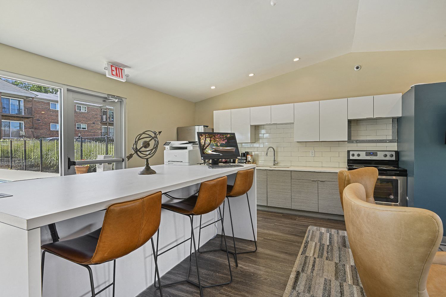 Fitted Kitchen With Island Dining at Heritage Hill Estates Apartments, Cincinnati, 45227