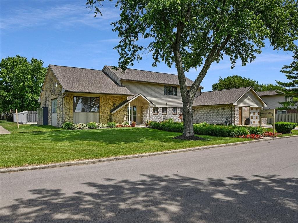 Open And Clean Community at Westpark Townhomes, Indianapolis, 46214