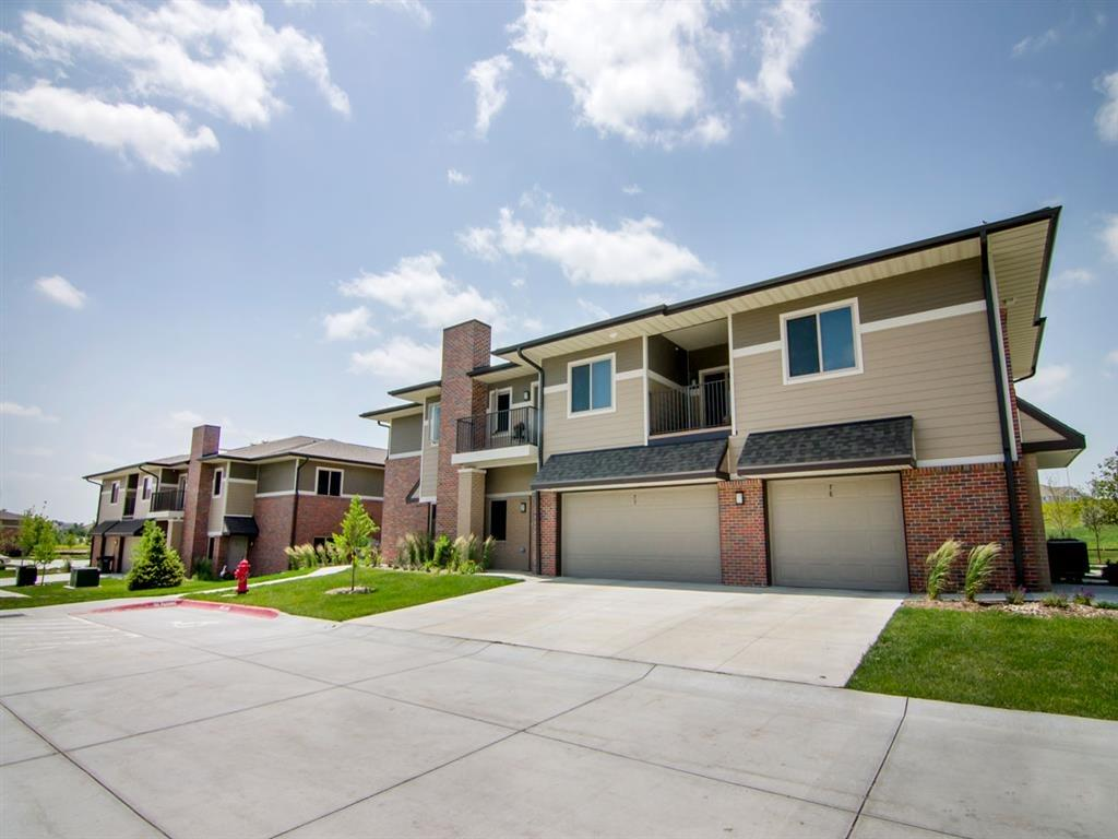 Villa homes with attached garages in north Lincoln, NE