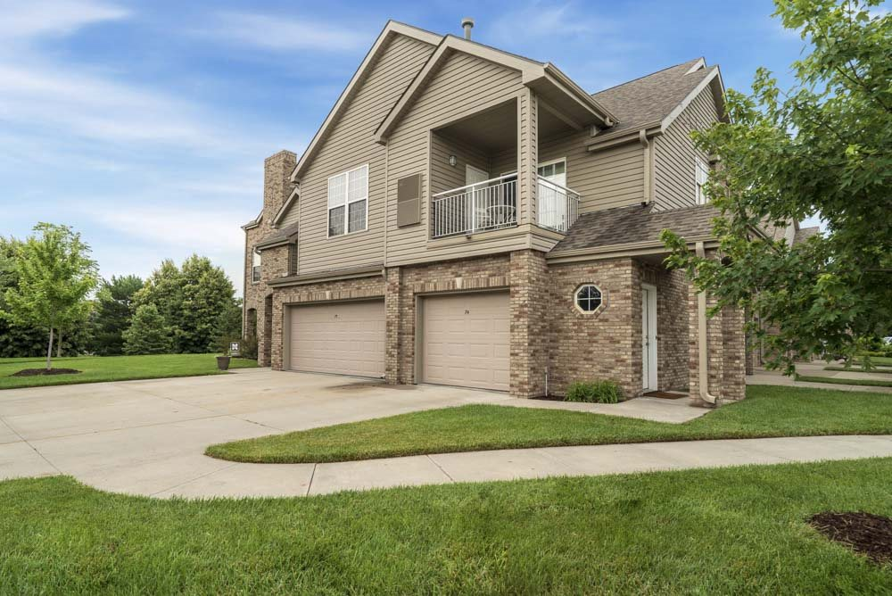 Exterior view of Stone Ridge Estates with attached garages