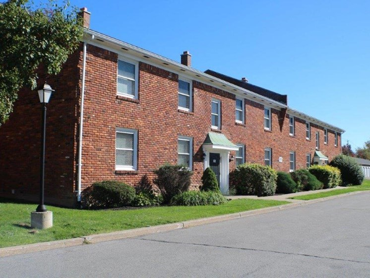 Exterior Brick Building at Georgetown Apartments, Williamsville, NY
