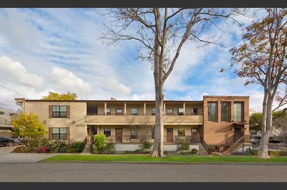West-Los-Angeles-Luxury-Apartment-Missouri-Exterior-Front-Street-View