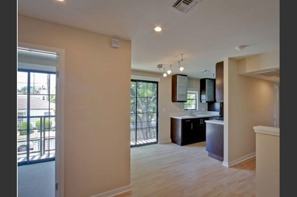 West-LA-Century-City-apartments-NMS-Overland-living-room-and-dining-area