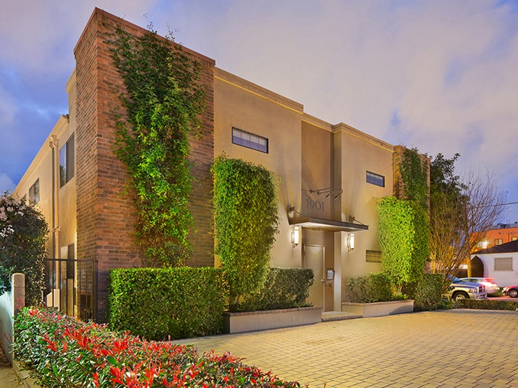 Century-City-Luxury-Apartment-Overland-Exterior-Sidewalk-View-Sunset