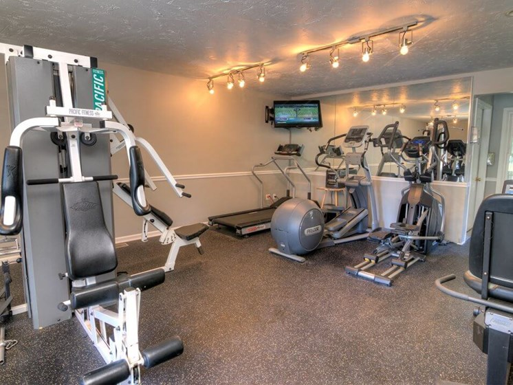 fitness center at Burwick Farms Apartments
