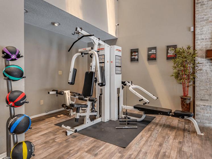 Fitness center at The Retreat at Woodridge