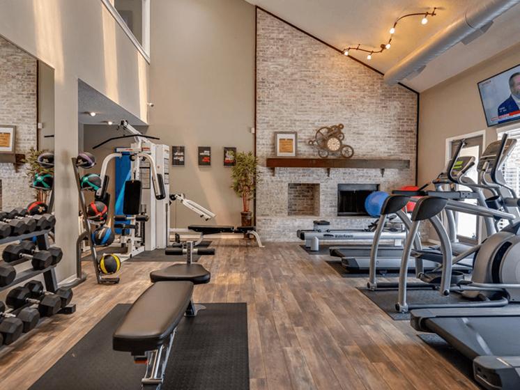 really nice gym at Lenexa KS apartment