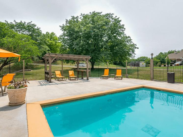 Lenexa, KS apartments with swimming pool