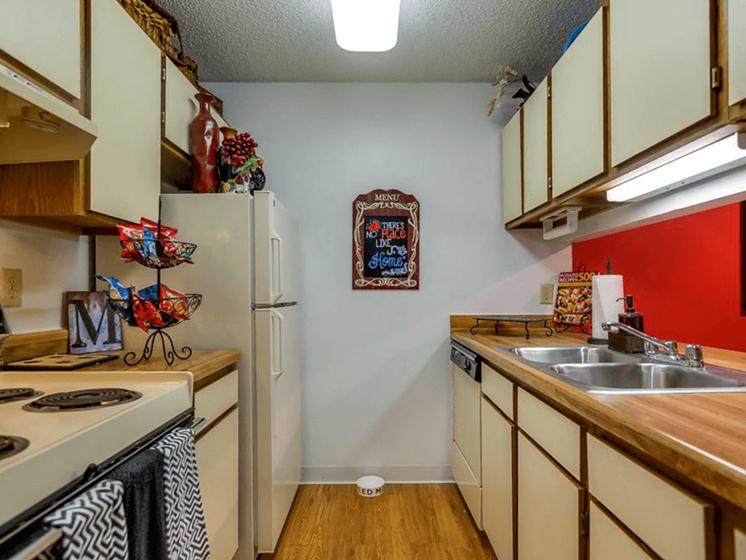 spacious kitchen at The Retreat at Woodridge apartments