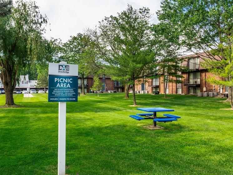 Picnic Area at Drawbridge Apartments, Harrison Township, Michigan