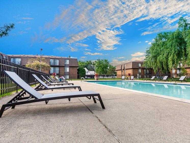 Poolside at Drawbridge East Apartments, Harrison Township