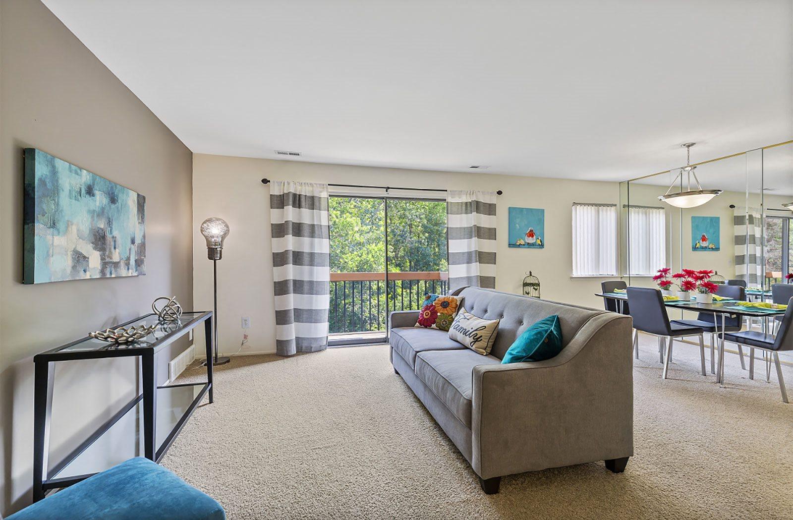 Large living room, Southfield MI 48034