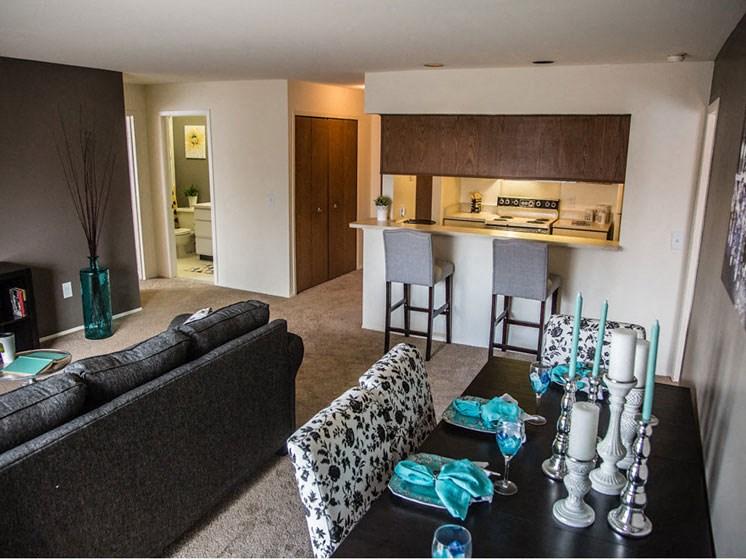 Bright Apartments at Franklin River Apartments, Southfield, 48034