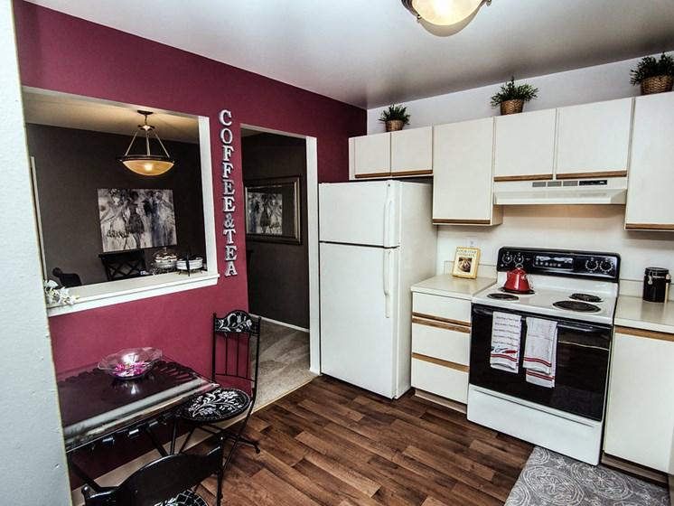Large Kitchens at Park Lane Apartments, Southfield