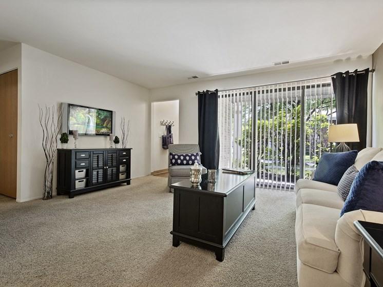 Spacious Living room at Park Lane Apartments Southfield, MI
