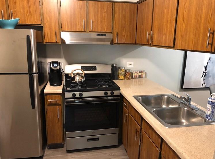 1BD, 1BR Classic Model - Kitchen