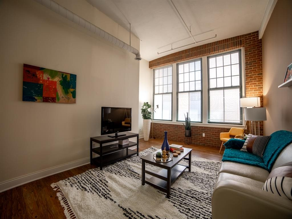 Living Room With Window at Buckingham Urban Living, Indiana, 46204