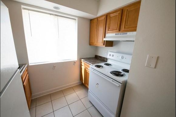 1400 Bataan Dr Apartments Chicago Kitchen